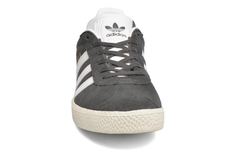 Sneaker Adidas Originals Gazelle J grau schuhe getragen