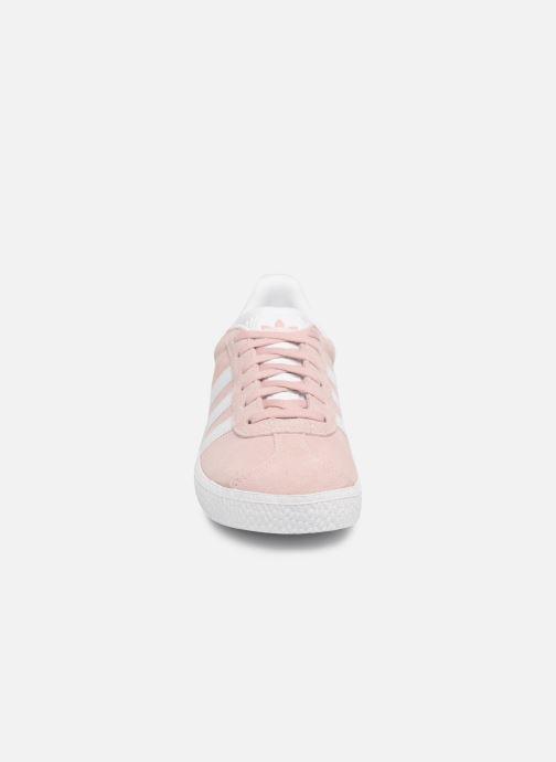 Baskets adidas originals Gazelle C Rose vue portées chaussures