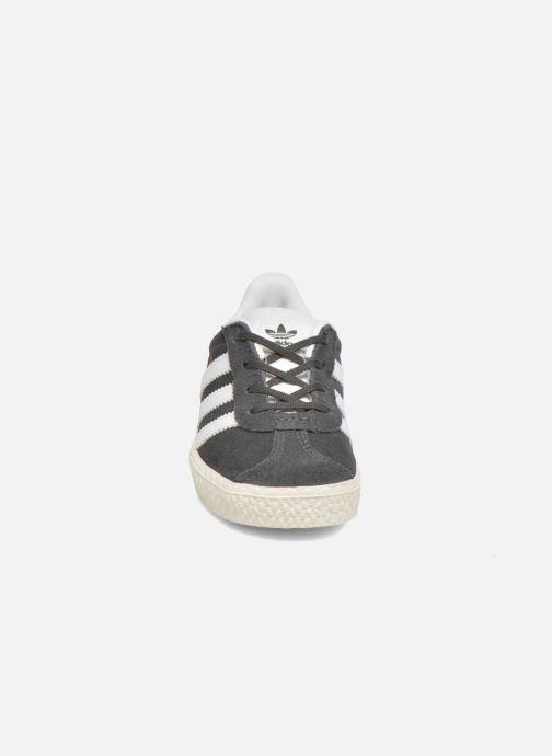 Sneaker adidas originals Gazelle I grau schuhe getragen