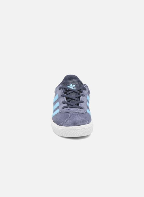 Sneaker adidas originals Gazelle I blau schuhe getragen