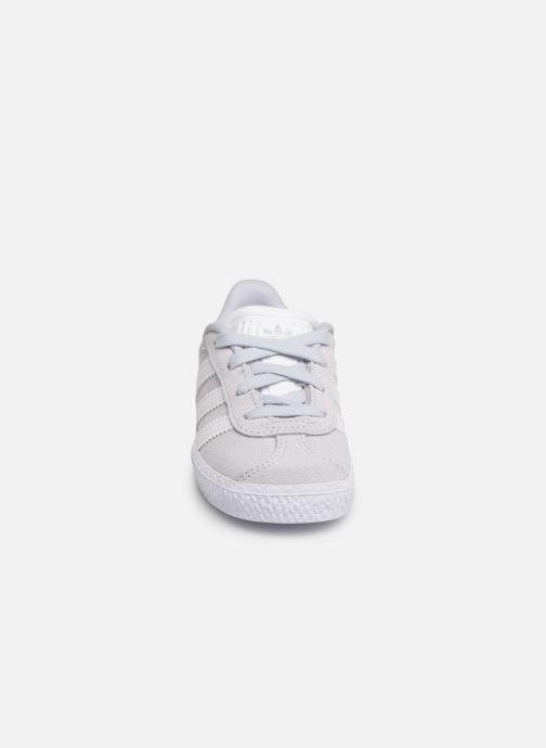 Baskets adidas originals Gazelle I Bleu vue portées chaussures