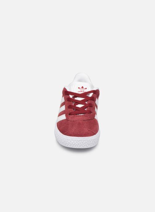 Sneaker adidas originals Gazelle I weinrot schuhe getragen