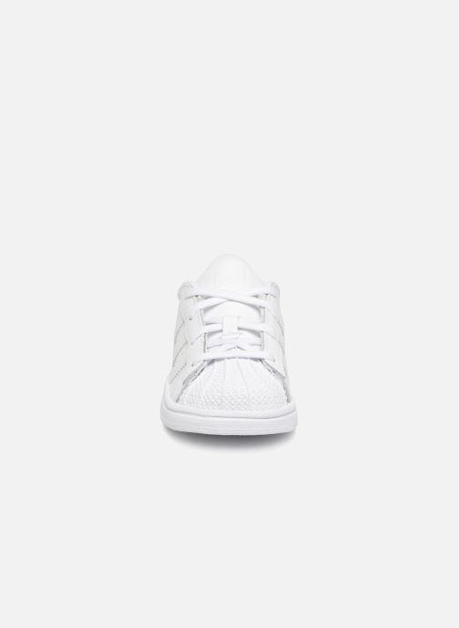Sneaker adidas originals Superstar I weiß schuhe getragen