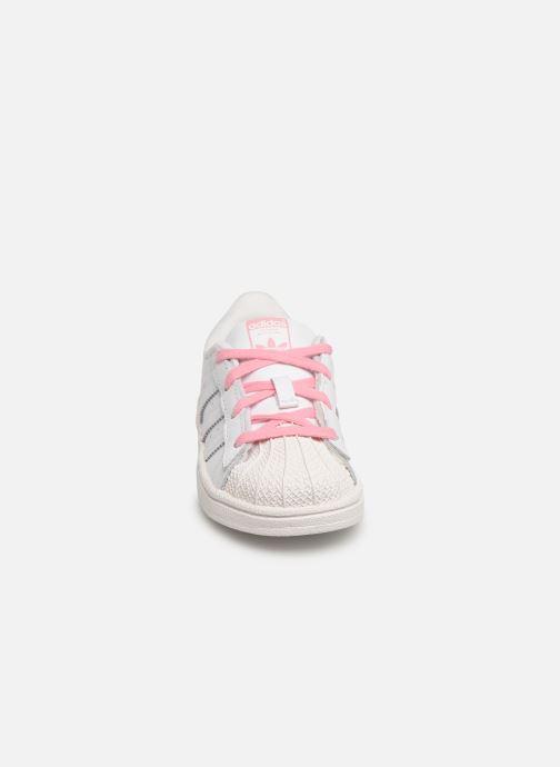 Baskets adidas originals Superstar I Blanc vue portées chaussures