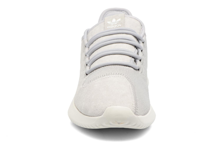 Baskets Adidas Originals Tubular Shadow J Gris vue portées chaussures