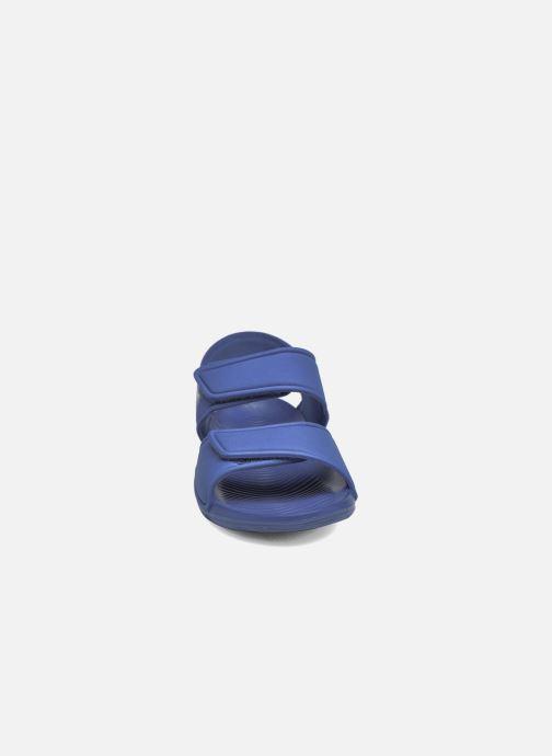 Sandalias adidas performance Altaswim C Azul vista del modelo