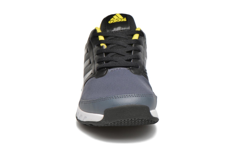 Baskets Adidas Performance Fortagym K Noir vue portées chaussures