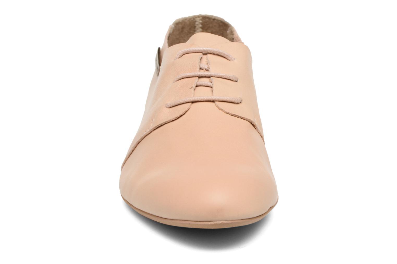 Chaussures à lacets Les Tropéziennes par M Belarbi Takarka Beige vue portées chaussures