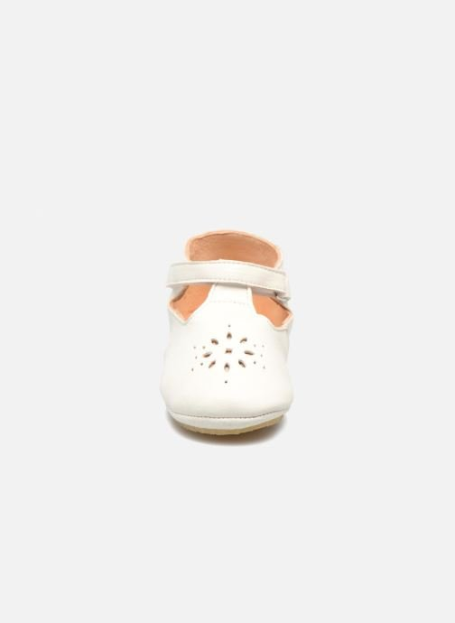 Chaussons Easy Peasy Lillyp Blanc vue portées chaussures