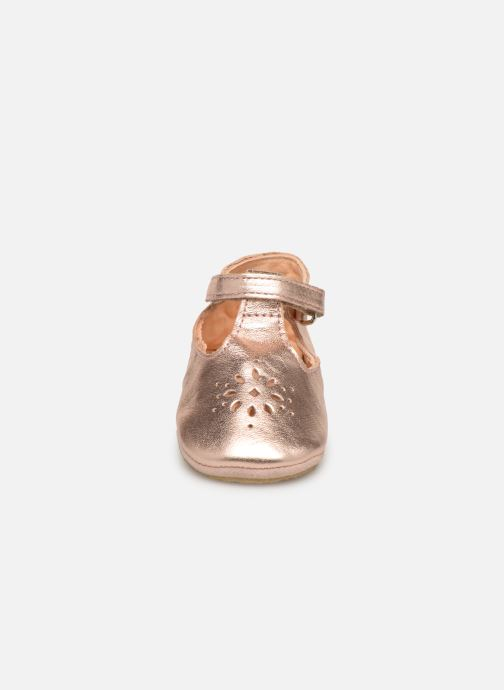 Chaussons Easy Peasy Lillyp Rose vue portées chaussures