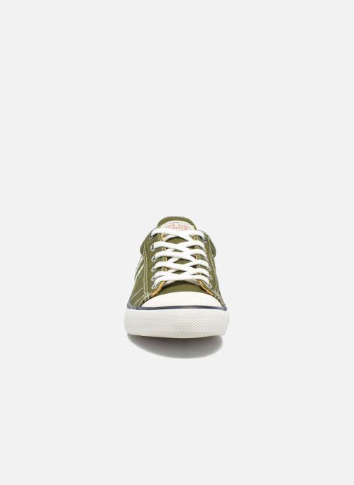 Sneakers Pepe jeans Serthi Basic Marrone modello indossato