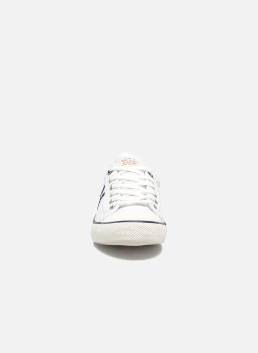 Sneakers Pepe jeans Serthi Basic Bianco modello indossato