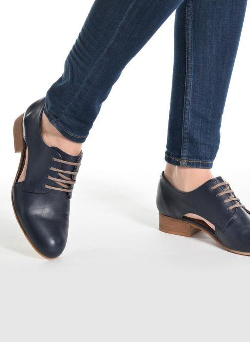 Chaussures à lacets Georgia Rose Celange Bleu vue bas / vue portée sac