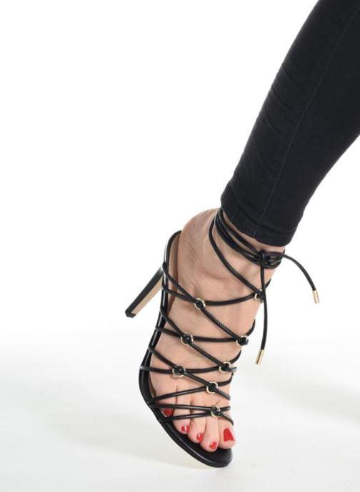 Sandales et nu-pieds Guess Aeyla Noir vue bas / vue portée sac