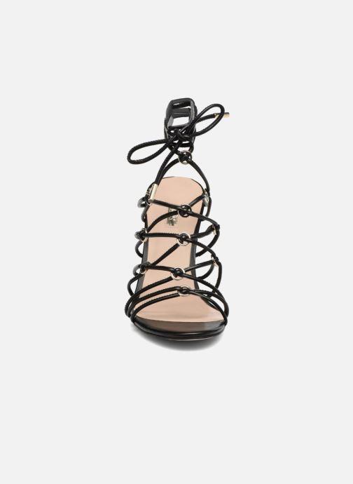 Sandales et nu-pieds Guess Aeyla Noir vue portées chaussures