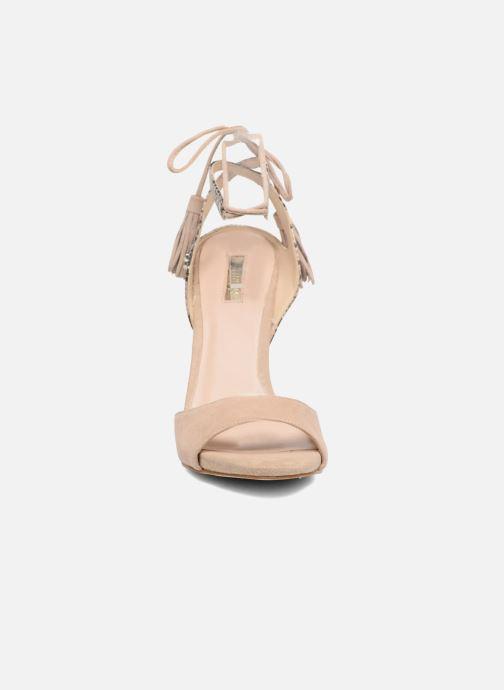 Sandales et nu-pieds Guess Amee Beige vue portées chaussures