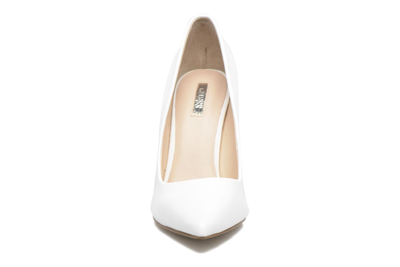 Escarpins Guess Blix Blanc vue portées chaussures