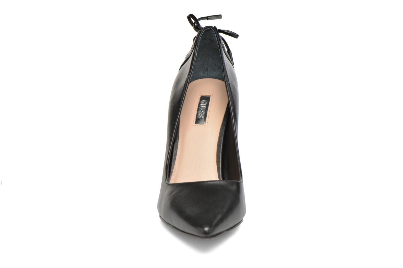 Zapatos de tacón Guess Bristol Negro vista del modelo