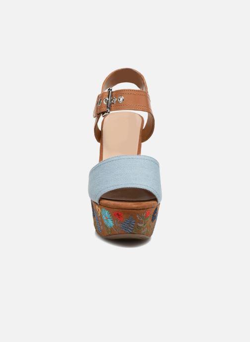 Sandals Guess Caralin2 Brown model view