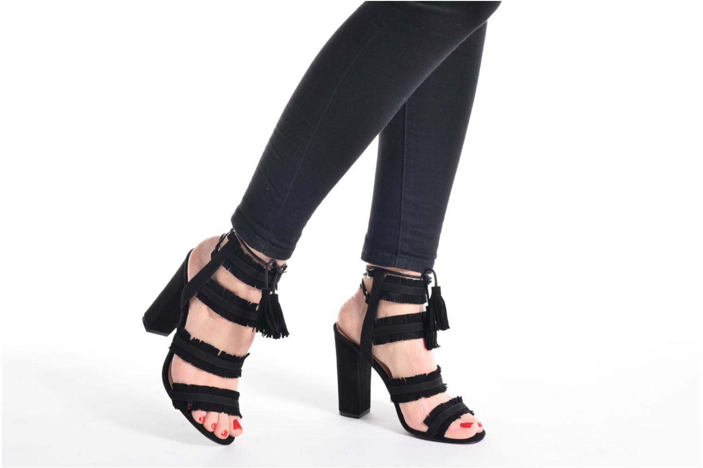 Sandalen Guess Econi schwarz ansicht von unten / tasche getragen