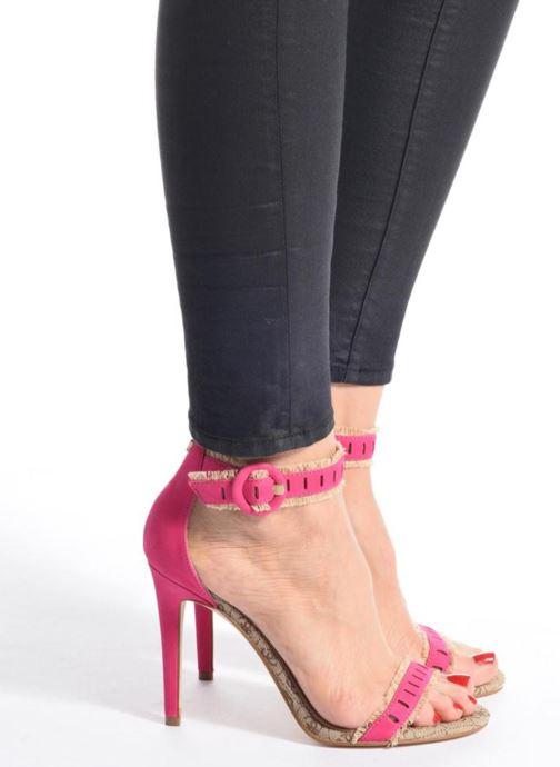 Sandales et nu-pieds Guess Petra Rose vue bas / vue portée sac