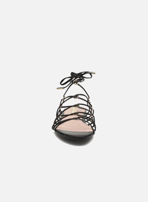 Sandales et nu-pieds Guess Racha Noir vue portées chaussures