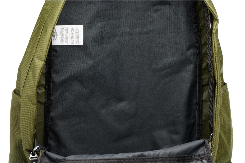 Sacs à dos Nike Men's Nike Cheyenne 3.0 Solid Backpack Vert vue derrière