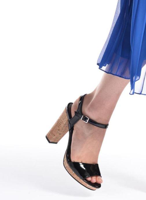 Sandales et nu-pieds Tamaris Espotoa Noir vue bas / vue portée sac