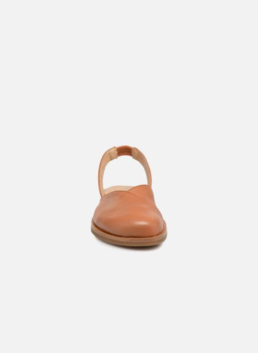 Sandales et nu-pieds El Naturalista Tulip NF38 Marron vue portées chaussures