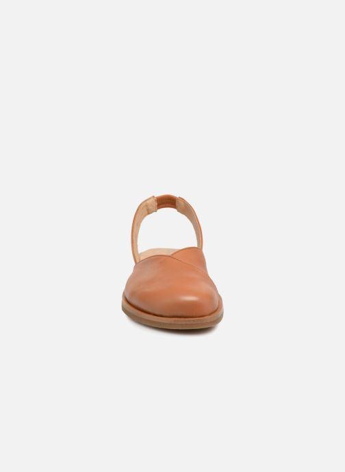 Sandali e scarpe aperte El Naturalista Tulip NF38 Marrone modello indossato