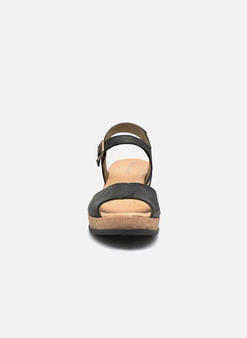 Sandales et nu-pieds El Naturalista Leaves N5000 Noir vue portées chaussures