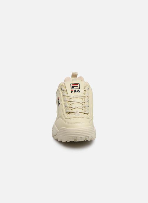 Baskets FILA Disruptor Low W Beige vue portées chaussures