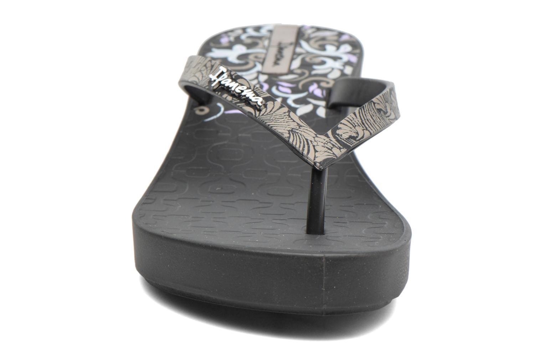 Flip flops Ipanema Art Deco III Black model view