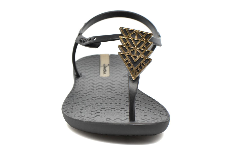 Tongs Ipanema Charm IV Sandal Noir vue portées chaussures