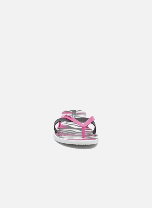 Tongs Ipanema Kirei Silk II Blanc vue portées chaussures