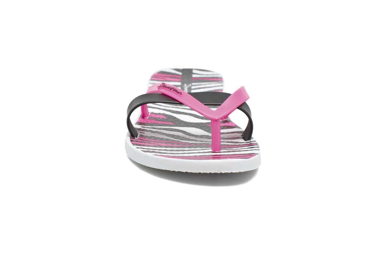 Flip flops Ipanema Kirei Silk II White model view