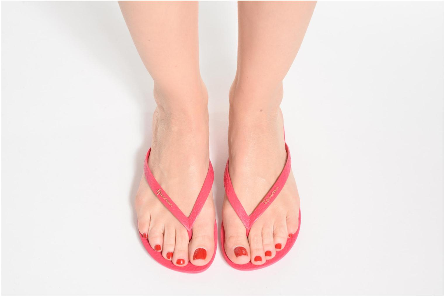 Flip flops Ipanema Wave Pink view from underneath / model view