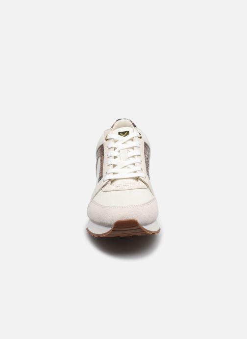 Sneakers Michael Michael Kors Billie Trainer Beige modello indossato