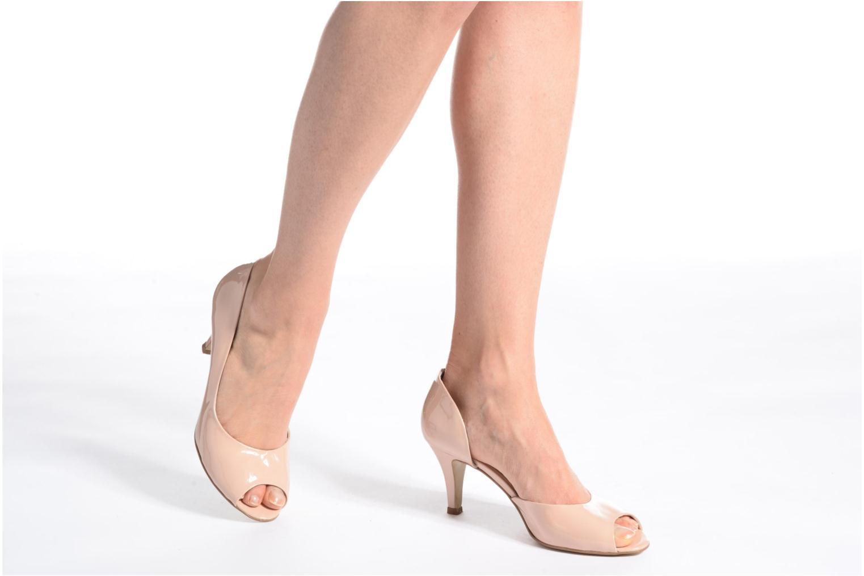 High heels Georgia Rose Aligette Beige view from underneath / model view