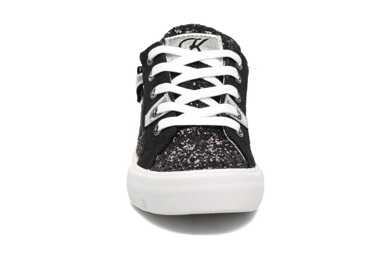 Sneakers Kaporal Ambera Nero modello indossato