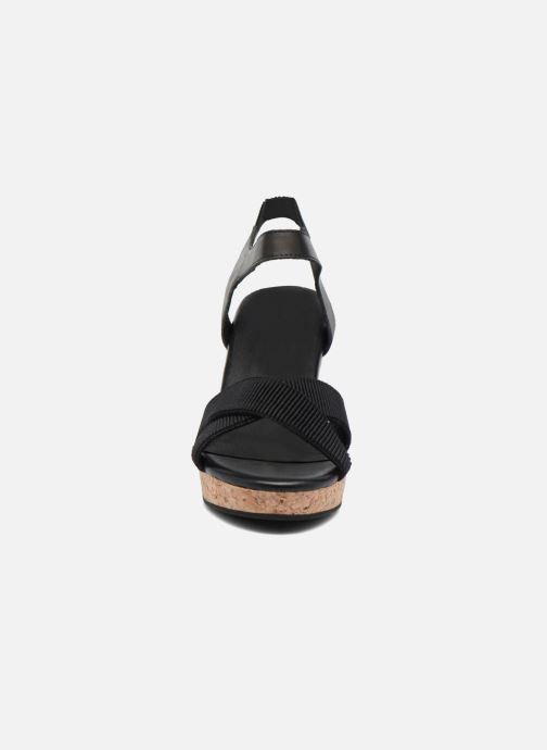 Sandales et nu-pieds Shoe the bear Alec Noir vue portées chaussures