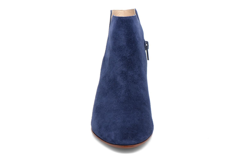 Stivaletti e tronchetti JB MARTIN 2Tahis Azzurro modello indossato