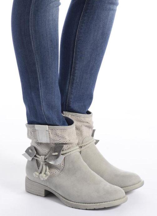 Stiefeletten   Boots Jana shoes Karen beige ansicht von unten   tasche  getragen 02b3234589