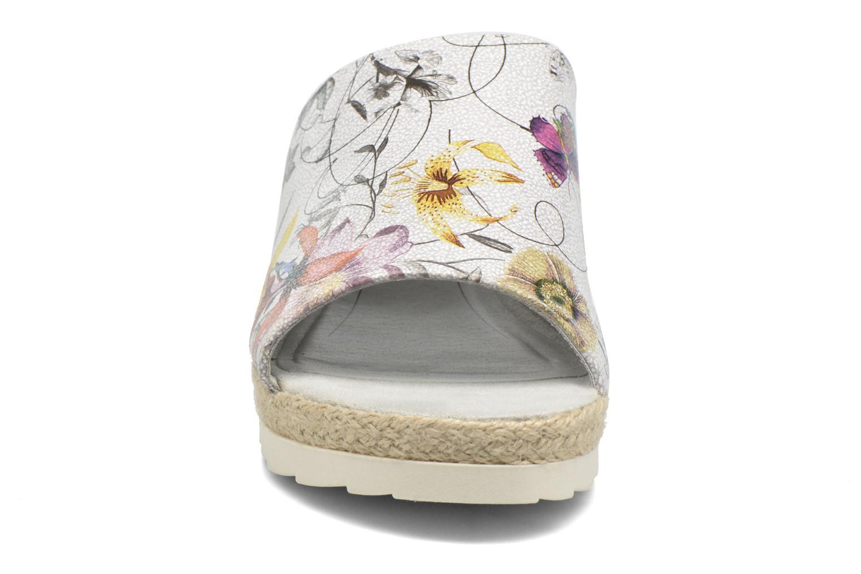 Zoccoli Jana shoes Aylin Bianco modello indossato