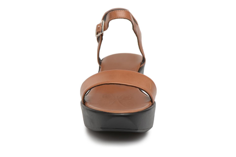 Sandales et nu-pieds Elizabeth Stuart Villau 304 Marron vue portées chaussures