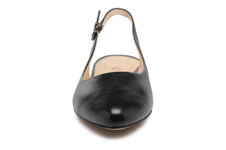 Ballerines Caprice Dana Noir vue portées chaussures
