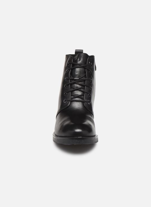 Zapatos de tacón Caprice Elena Negro vista del modelo