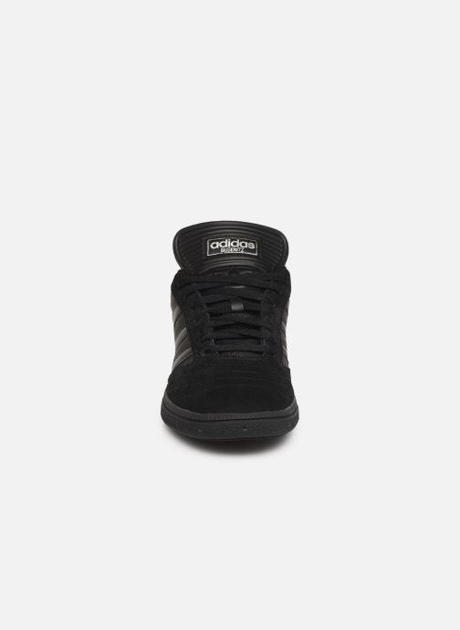 Baskets adidas originals Busenitz Noir vue portées chaussures
