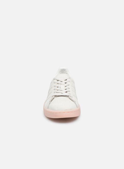 Baskets Adidas Originals Campus W Beige vue portées chaussures