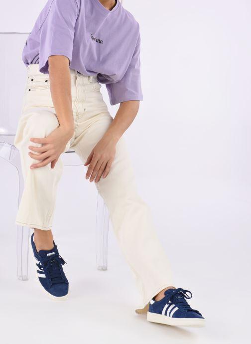 Sneaker adidas originals Campus W blau ansicht von unten / tasche getragen